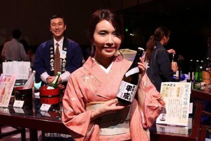 準ミス日本酒 児玉アメリア彩さん