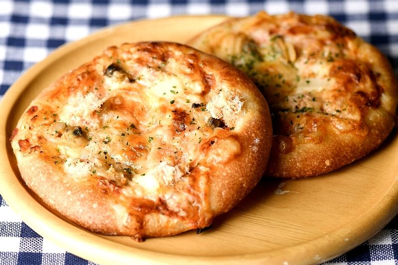 海鮮ミックスピザ