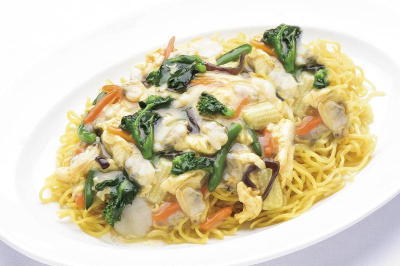 15.食事(中) 春野菜とアサリの玉子入り あん掛け焼きそば