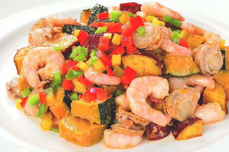 ②【中】海老と秋野菜の胡麻サラダ