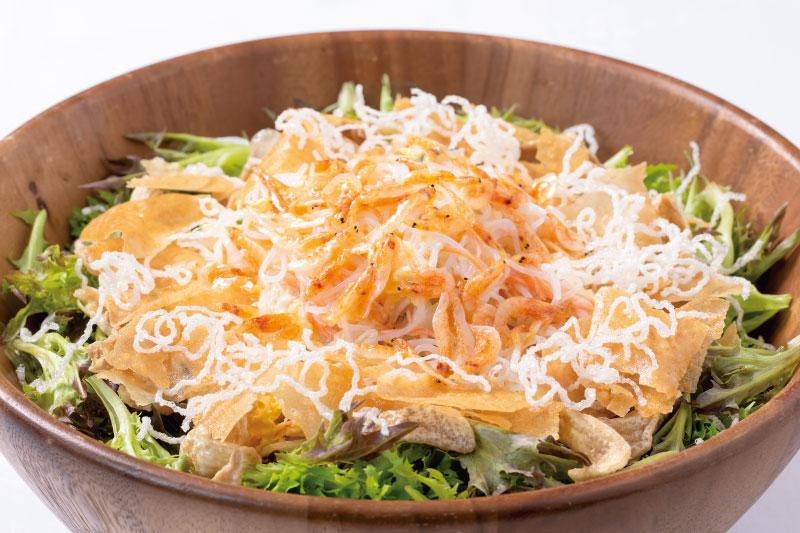 2.前菜(洋) トリプルぱりぱり蒸し鶏の春雨サラダ~桜海老の香りをプラスして~