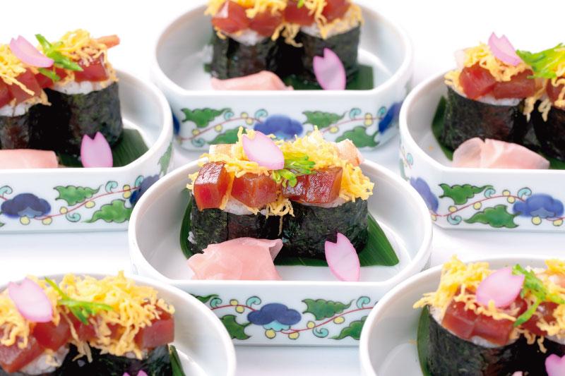 15.食事(和) 春ちらし太巻き
