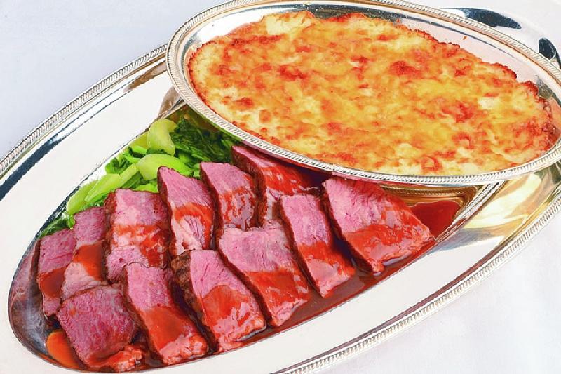 ⑦【洋】ローストビーフグリル 水牛の乳で作られたモッツァレラチーズの グラタン添え