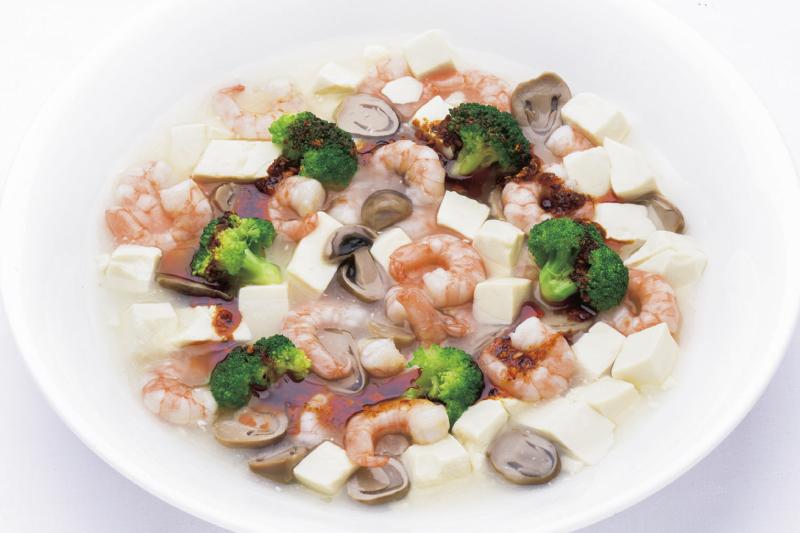 9.メイン(中) 海老と豆腐のさっぱり煮込み 自家製ラー油添え