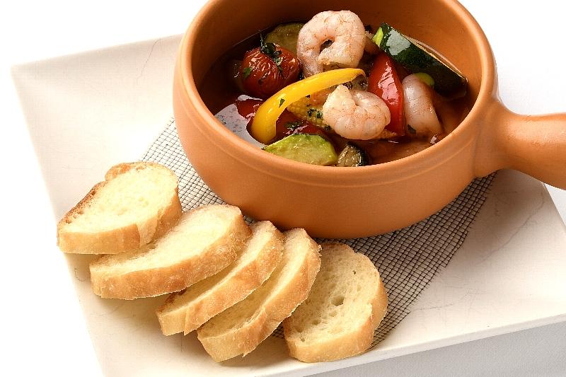 フランス料理ソルプレーサ 海老と夏野菜のアヒージョ ¥800