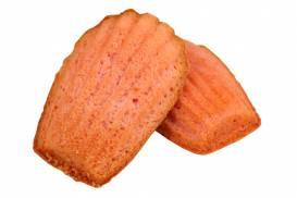カシスの風味豊かにしっとりと焼き上げた「カシスマドレーヌ」
