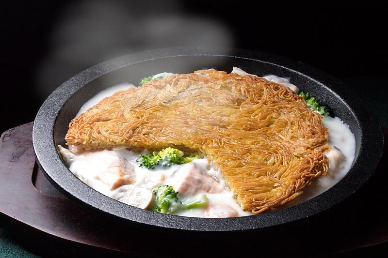松本鉄板濃厚クリーム浮麺
